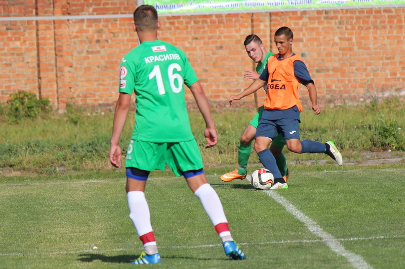 Красилівський Случ, здобувши без бою путівку до 1/2 фіналу, зіграв з молодіжним складом Поділля товариську гру, яка завершилася з рахунком 0:0