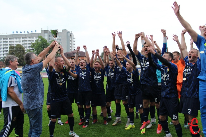 Теофіпольська Іскра, дійшовши до фіналу Кубка області з футболу, здобула почесний трофей, перемігши красилівський Случ з рахунком 4:1