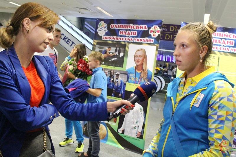 Післяолімпійський сезон Інна Грищун (праворуч) розпочала срібною медаллю в Португалії