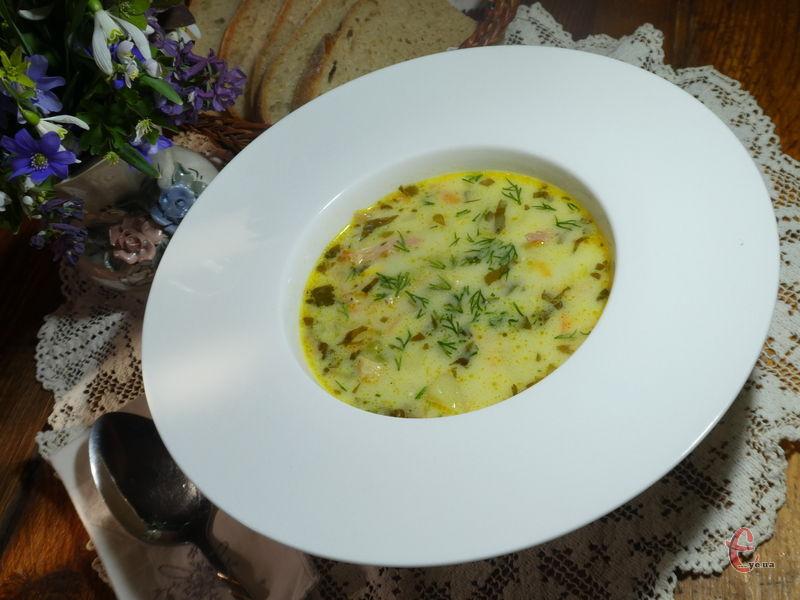 Ніжний, вершковий, сирний, ситний суп, доступний за інгредієнтами.