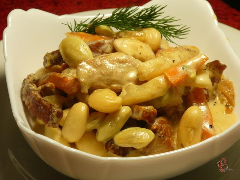 Квасоля за цим простим рецептом виходить дуже смачною, ніжною, з приголомшливим вершковим смаком.