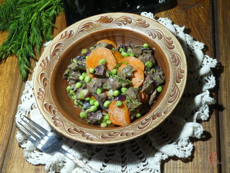 Рагу пречудово смакує із будь-яким гарніром — картопляним пюре, кашами та макаронами.