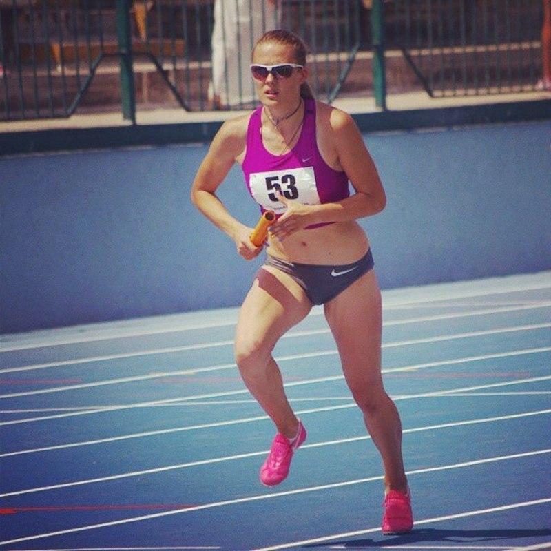 Вікторія Ткачук із Нетішина вперше стала чемпіонкою України серед дорослих у ігу на 400 метрів із бар'єрами
