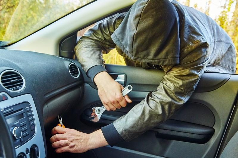 У Хмельницькому почастішали крадіжки із автомобілів