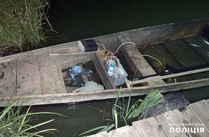 Чоловіки ловили рибу за допомогою електроструму, що заборонено законодавством