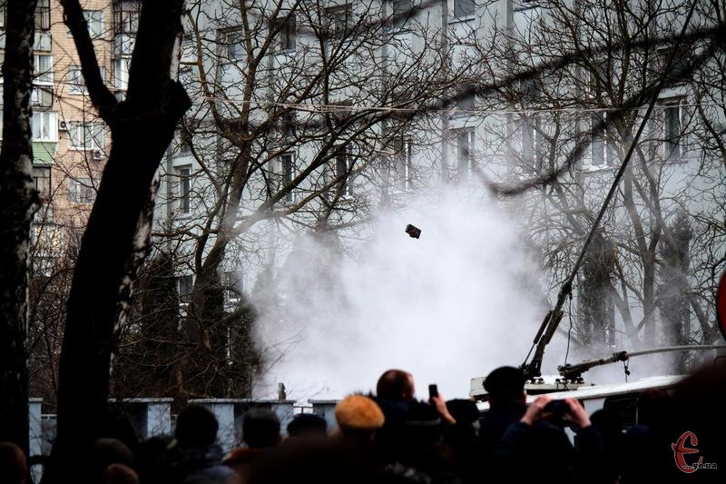 Під час Революції Гідності 19 лютого 2014 року в Хмельницькому смертельних травм зазнали двоє, ще декілька людей отримали вогнепальні поранення