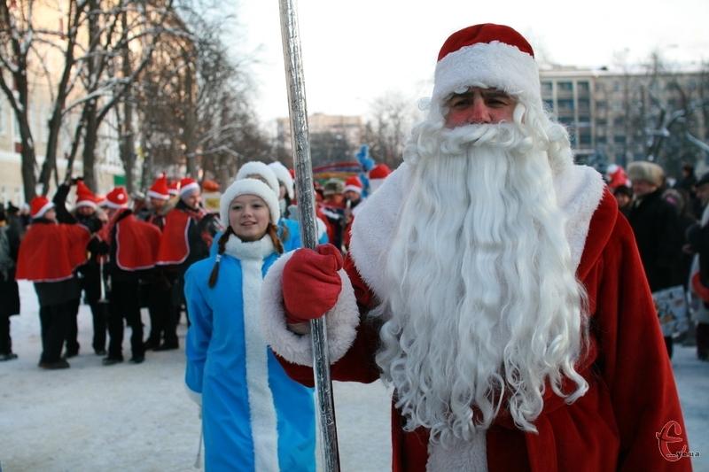 Діти чекають подарунків від Діда Мороза