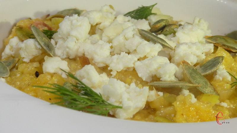 Поленту особливо люблять на півночі Італії в Ломбардії, там її роблять густою, м'якою, і навіть солодкою.