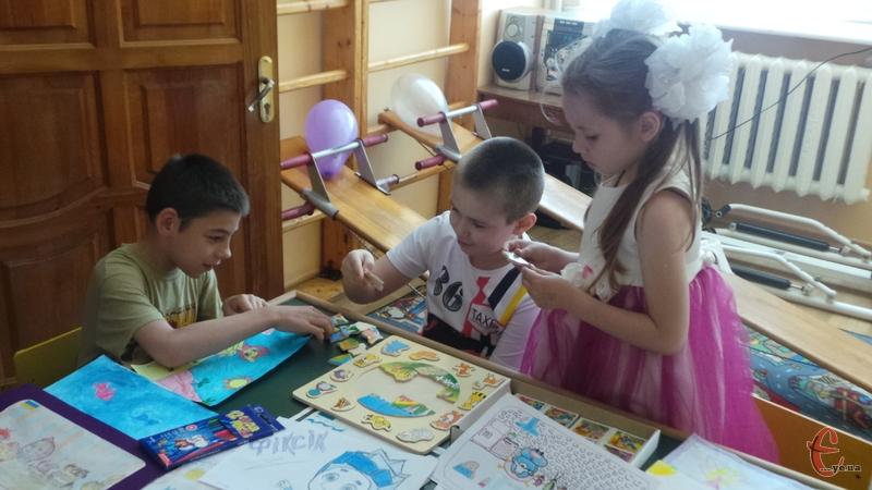 Діти малювали своє уявлення супільного телебачення
