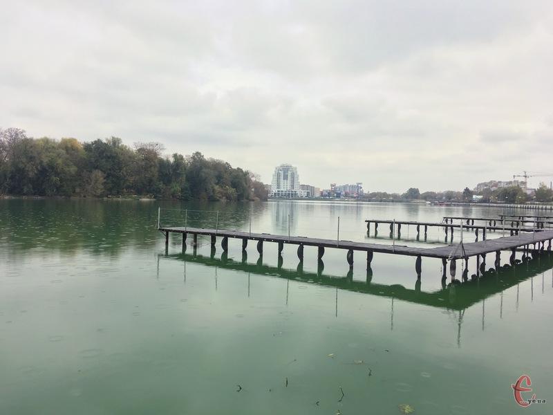 Південний Буг у Хмельницькому очищатимуть корисні водорості