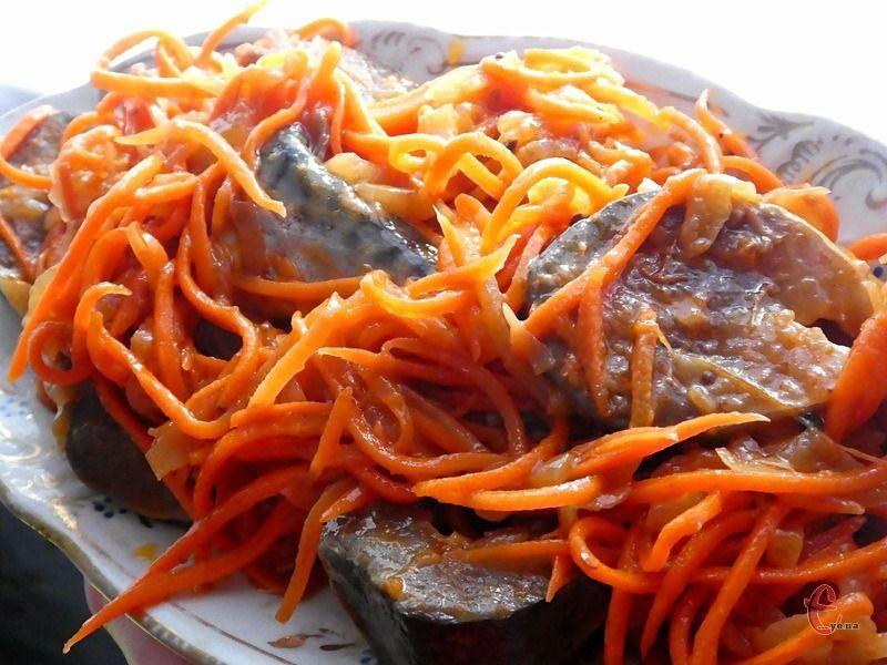 З кожним днем маринування скумбрія стає все смачнішою.