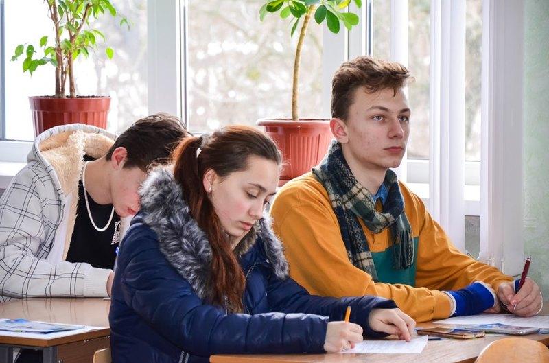 Абітурієнтів вчитимуть писати власне висловлювання