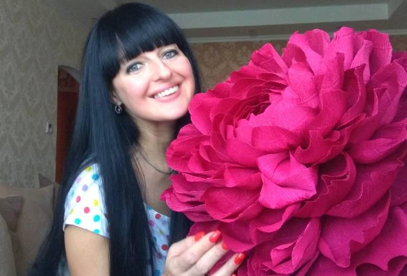 Найбільше Інна Добринчук полюбляє створювати піони, троянди та лілії
