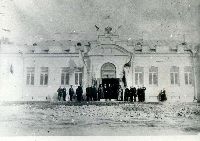 У 1891 році в Кам'янці-Подільському була зведена безкоштовна лікарні для бідних, а згодом поруч добудовано Іститут щеплення віспи