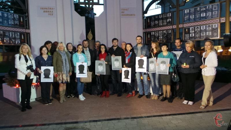 Журналісти Хмельницького вшанували пам'ять Георгія Гонгадзе.