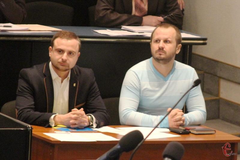 Артем Ромасюков (праворуч) та Роман Миколаїв найближчим часом можуть статити керівникам двох управлінь у Хмельницькому