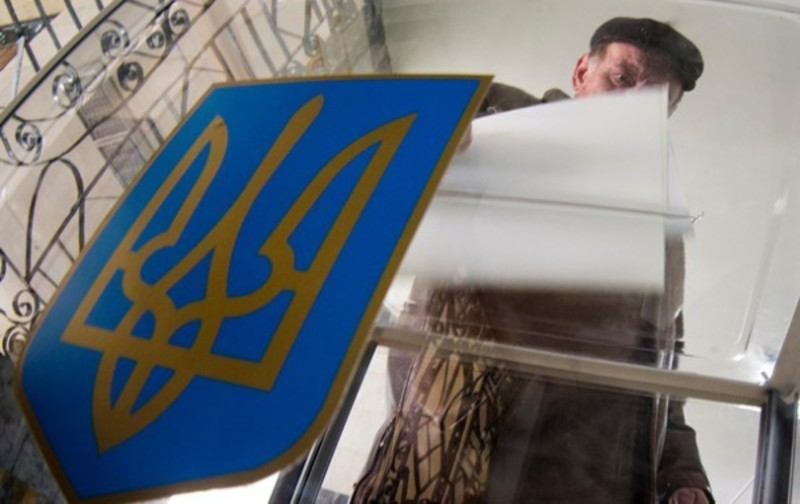 Поки зареєстровані кандидати в мери Хмельницького та Кам\'янця-Подільського йдуть, як самовисуванці