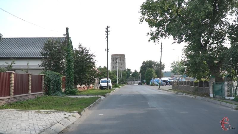 Мер Старокостянтинова Микола Мельничук каже, що в його місті можу запровадити жорсткіші карантинні заходи