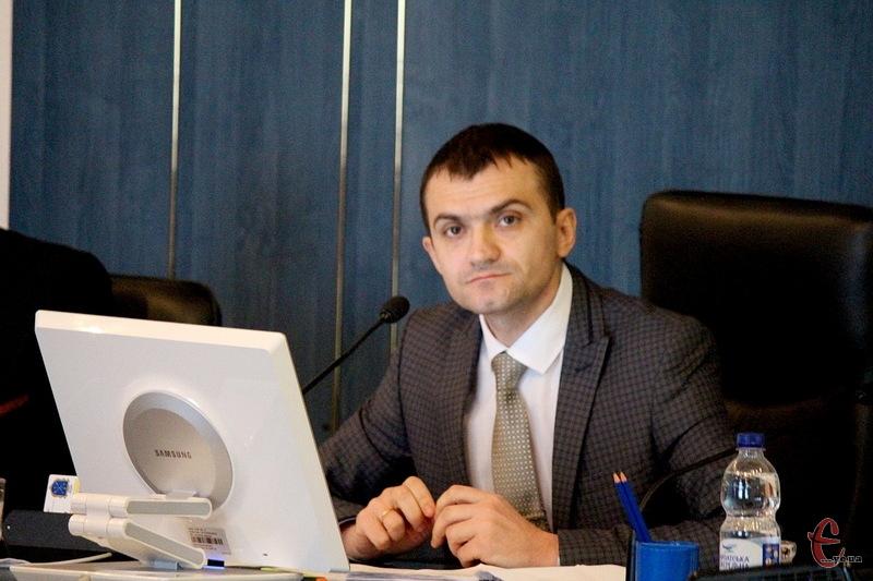 Хмельницький міський голова Олександр Симчишин каже, що поки виділили гроші на усі сім закладів профтехосвіти, а після оптимізації рада знову повернеться до питання фінансування таких закладів освіти
