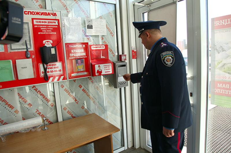 Відтепер хмельничани можуть поскаржитися на дії міліціонерів через скриньки довіри або в Інтернеті.