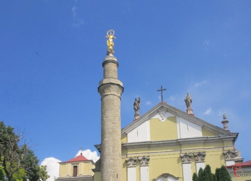 У Кам'янці-Подільському мідна статуя Богородиці на мінарет при Кафедральному костелі була встановлена 21 травня 1756 року