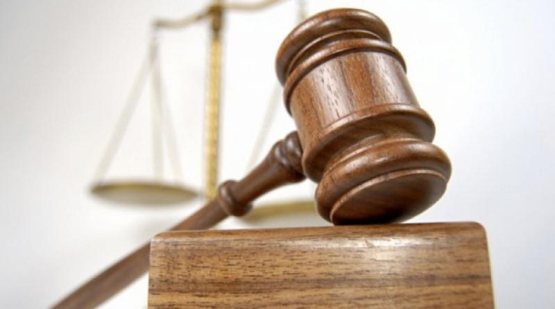 Адвокат вимагав кошти від клієнтки за «вплив на прийняття рішення суддею»
