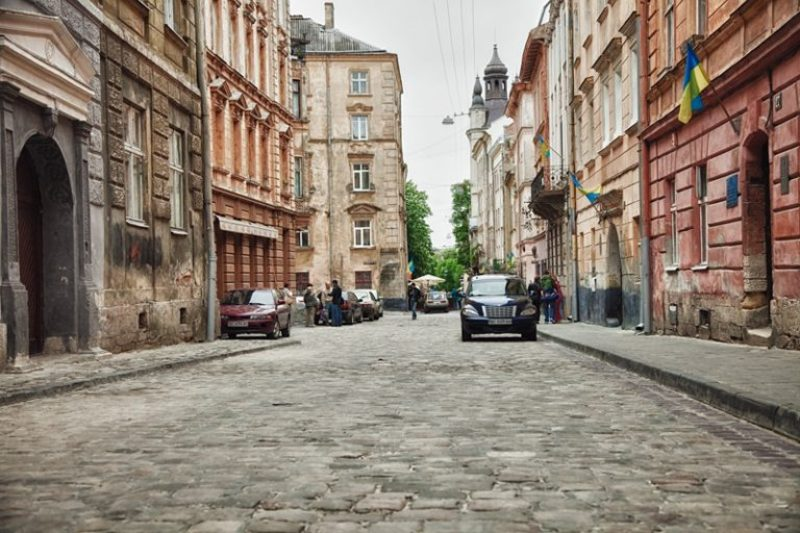 Погулявши вулицями Львова, можна поринути в його неповторну й дивовижну атмосферу