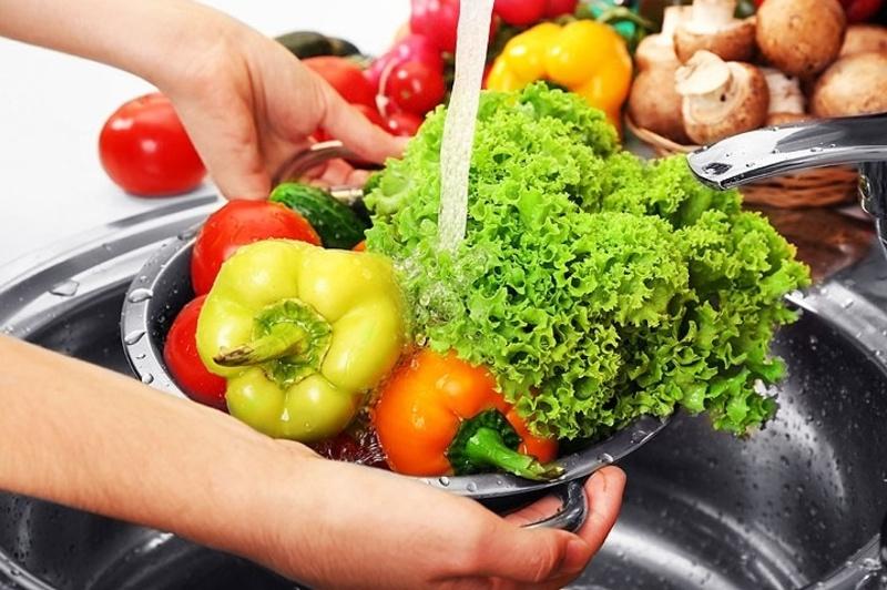 Хмельничан закликають мити овочі та фрукти перед вживанням