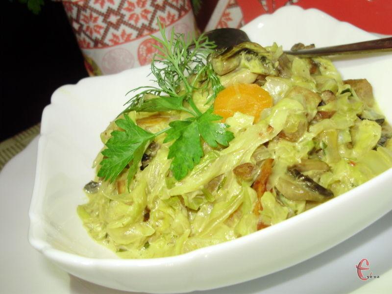 Соковита, ніжна, м'яка капуста, просочена густим, ароматним сирним соусом – це неймовірна смакота!