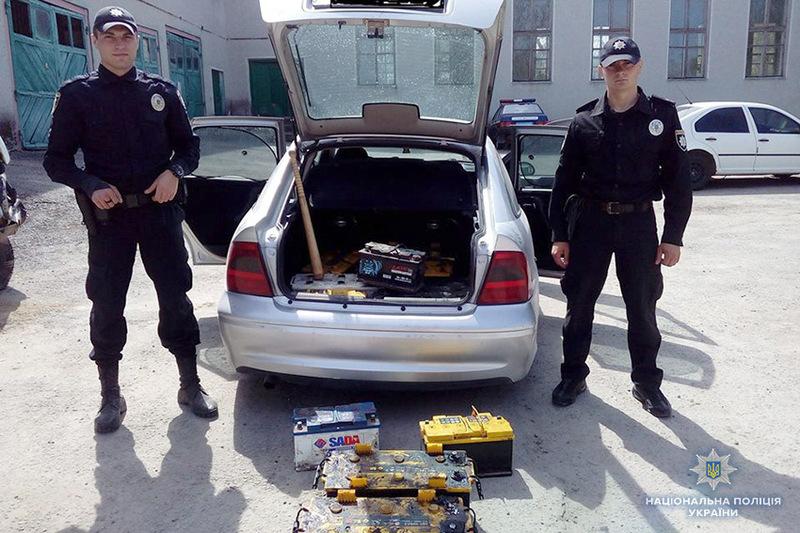 Під час обшуку в будинках затриманих правоохоронці також виявили інші крадені речі