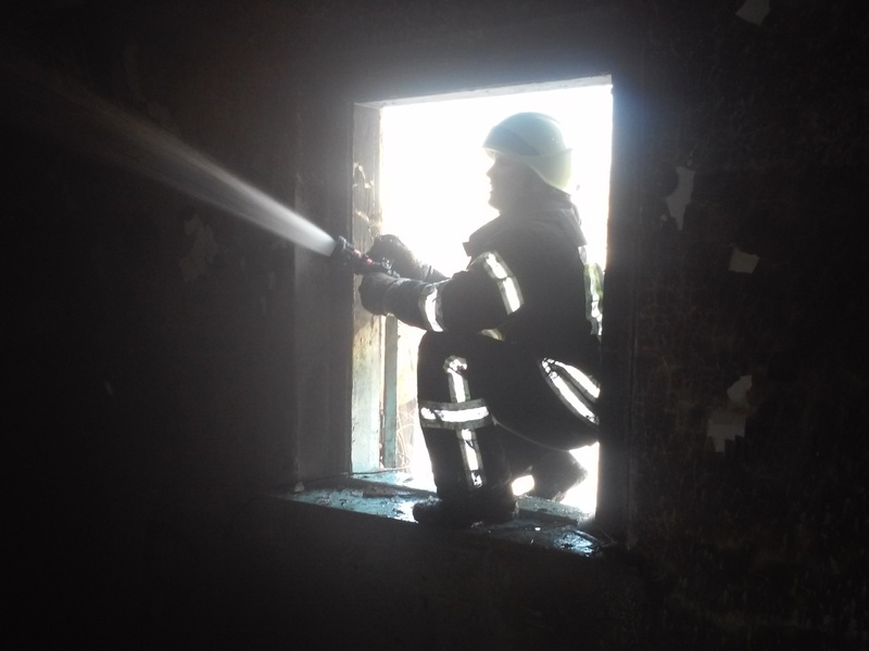 Рятувальники ліквідували пожежу житлового будинку