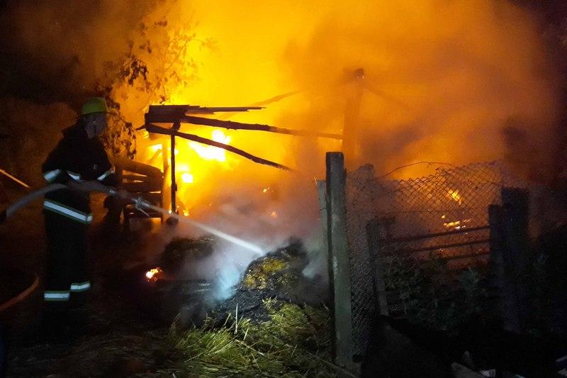 Ймовірна причина займання сінника — необережне поводження з вогнем