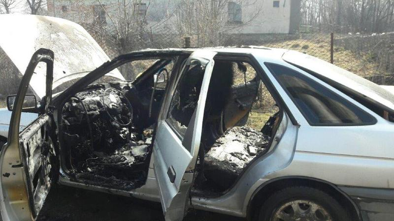 Вогнеборці загасили автомобіль, що загорівся