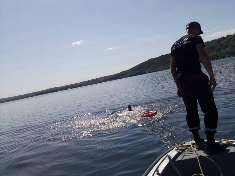 На Дністрі врятували 29-річного громадянина