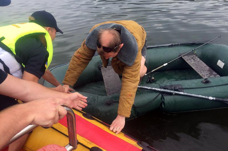 ДСНС-никам вдалося врятувати рибалку