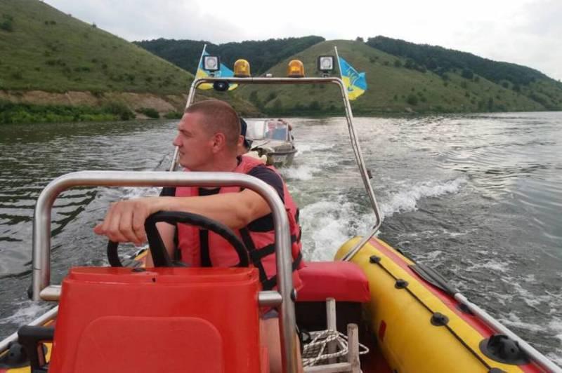 Рятувальний нагадують, що відпочинок на воді може бути небезпечним