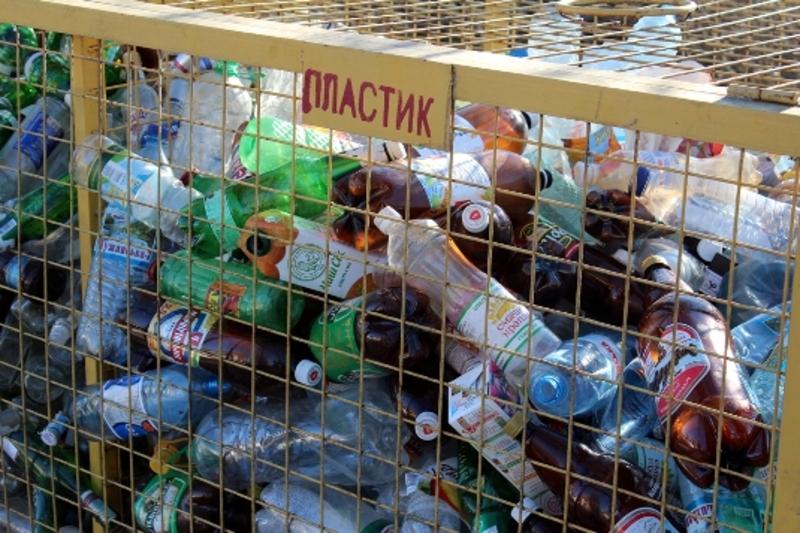 Мешканців Смотрицької громади закликають сортувати пластик