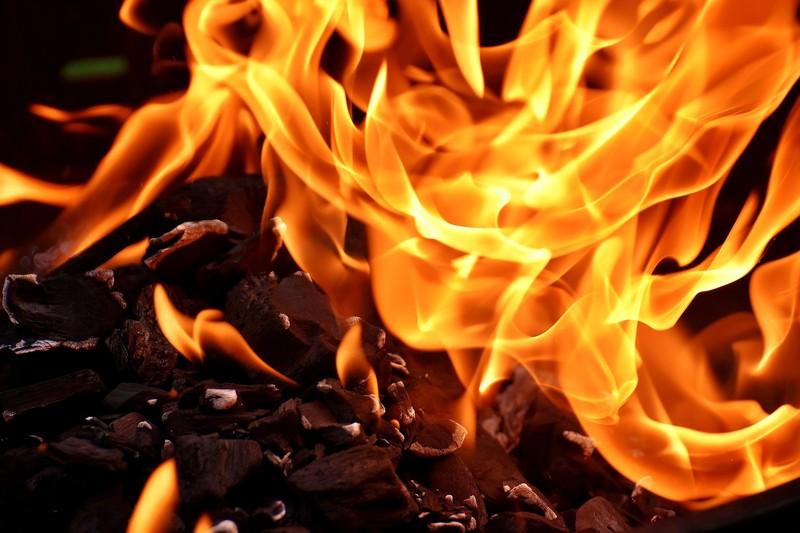 Про те, що у селі горить житловий будинок, рятувальникам повідомили о сьомій ранку