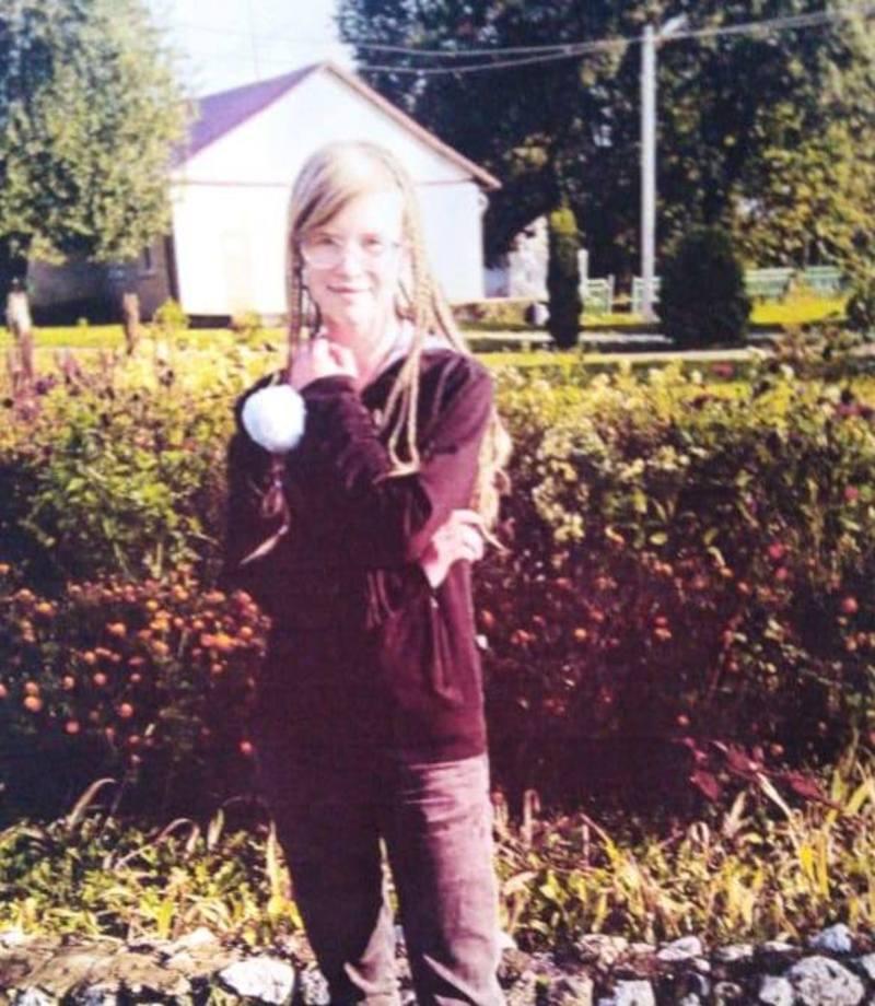 У поліції просять усіх, хто бачив Лесю або володіє інформацією про її місце перебування, телефонувати на лінію «102»