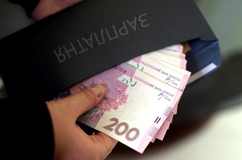 Бізнесмени платили зарплату із порушеннями законодавства