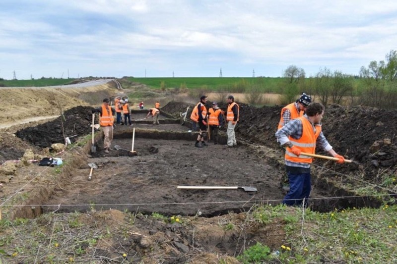 Розкопки охоплять площу близько 4-х тисяч квадратних метрів