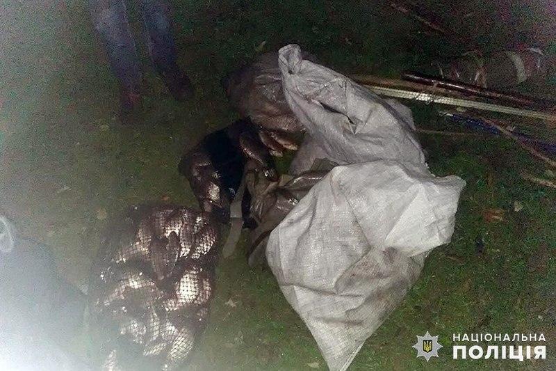 У зловмисників поліцейські вилучили більше 26 кілограмів риби
