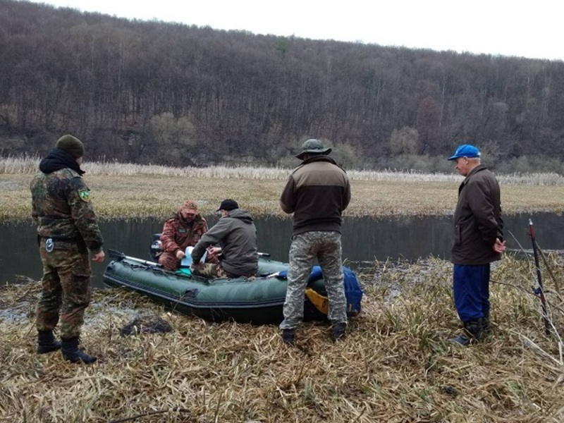 Екоінспектори виявили два десятки порушень природоохоронного законодавства