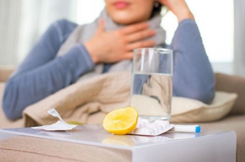 При перших симптомах грипу та ГРВІ медики радять залишитись вдома