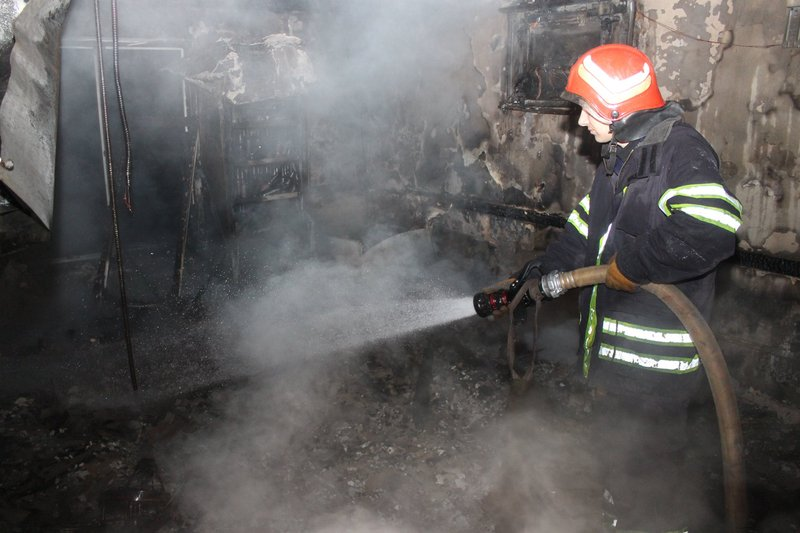 Вогнеборці минулої доби гасили дві пожежі в житловому секторі