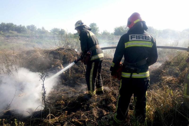 Рятувальники ліквідували пожежу торфу