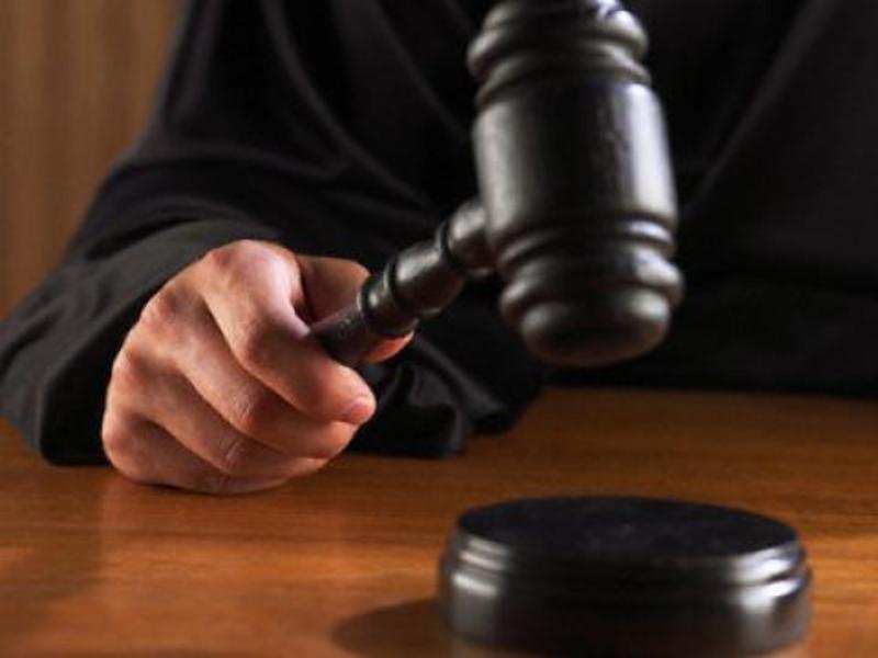 Колишнього державного виконавця визнали винним у зловживанні службовим становищем та службовому підробленні