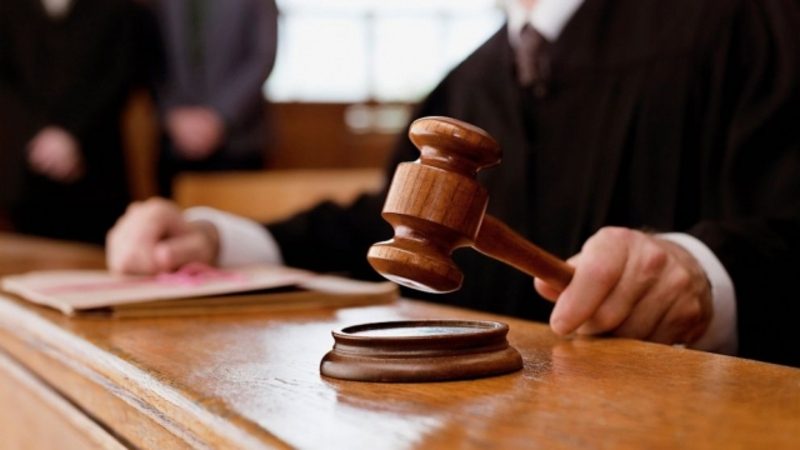 Екс-посадовця засуджено до 1 року обмеження волі