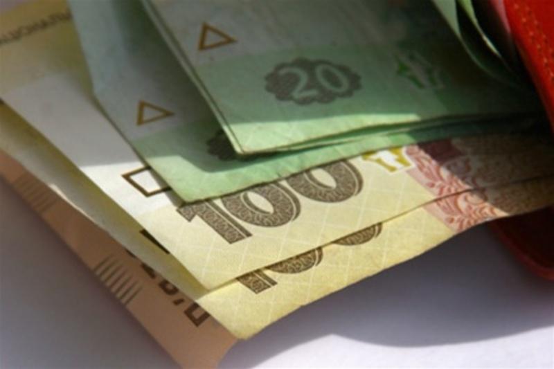 Люди отримували зарплату в конвертах