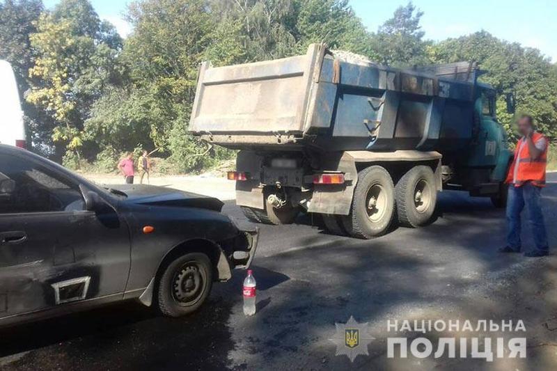 На Хмельниччині «Daewoo Sens» зіткнувся з вантажівкою